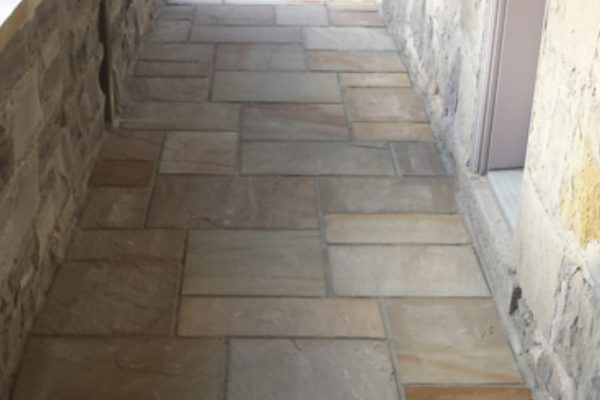 Covered Flagstone Entryway